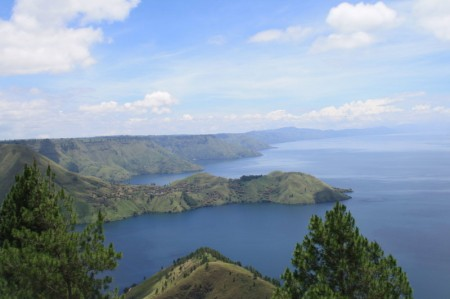 The Eye Catching Lake Toba